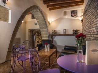 """Wine Bar """"Arkalotripa"""" indoor"""